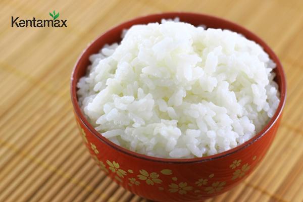 Cơm trắng nấu mềm tốt cho người đau dạ dày