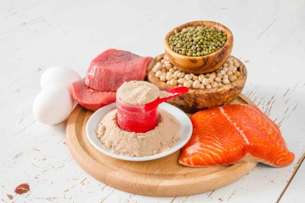 Tăng protein cùng với calo để giúp tăng cơ cho người gầy