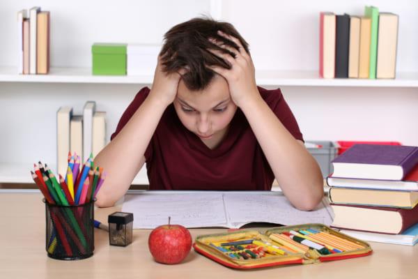 Sự mệt mỏi ảnh hưởng khá nhiều đến bữa ăn của trẻ
