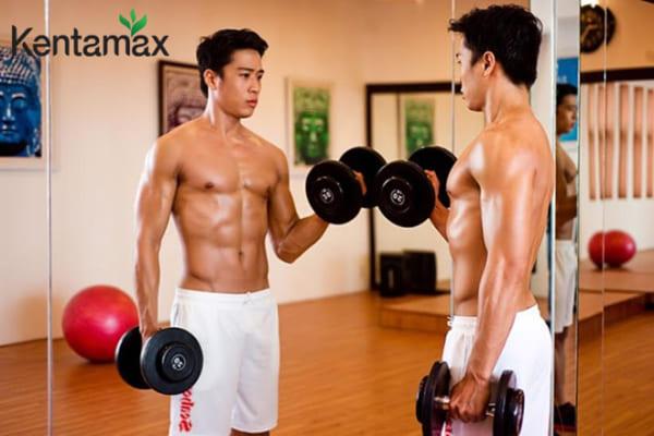 Tập luyện 4 buổi trong tuần phục vụ tăng cân nhanh cho nam gầy yếu