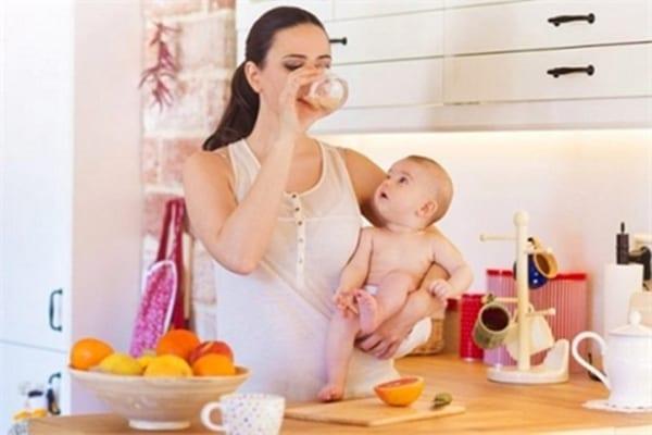 Tăng cân lợi sữa cho mẹ gầy sau sinh