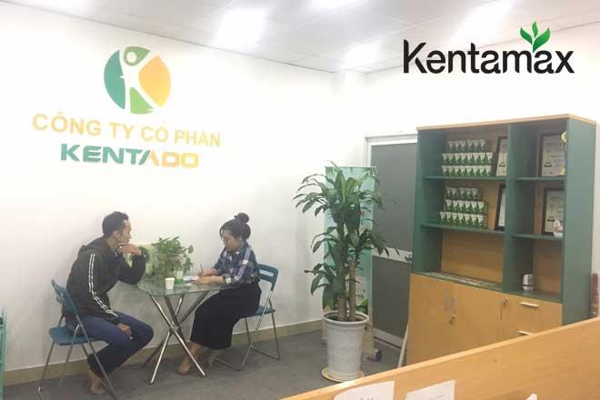 Kentado đón tiếp anh Phụng tới công ty mua sản phẩm